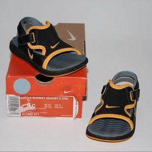 Nike Baby Boys 4 Velcro Sandals